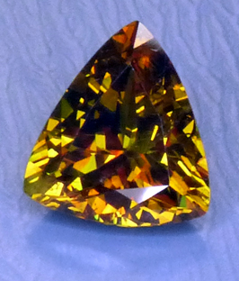 faceted sphene